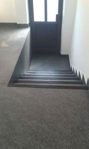 Scari-cu-negru-180x300 TRAFFIC