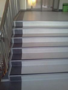 scari-cu-profile-metalice-1-225x300 Covor PVC scari